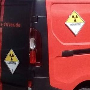 Transporter für Gefahrguttransporte und Transport radioaktiver Stoffe Klasse 7 von Express Driver e.K.